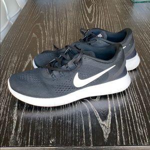 Nike Free RN Size 8
